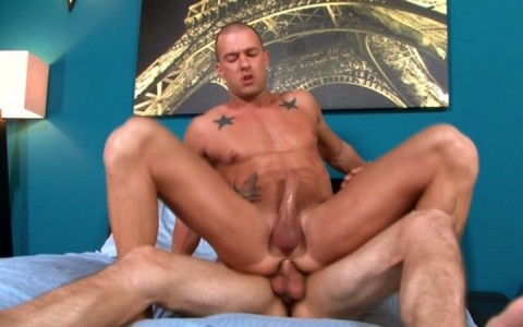 l7827-mistermale-gay-sex-porn-hardcore-videos-hunks-studs-muscle-men-gods-butch-rough-tough-beefcake-manly-viril-male-otters-bears-hairy-wolves-nextdoor-studios-doin-it-daily-014