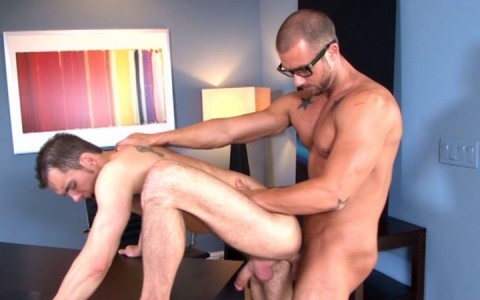 l7824-mistermale-gay-sex-porn-hardcore-videos-hunks-studs-muscle-men-gods-butch-rough-tough-beefcake-manly-viril-male-otters-bears-hairy-wolves-nextdoor-studios-doin-it-daily-019