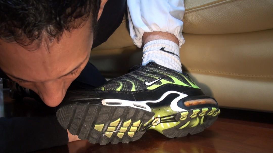 sneaker twink sniff sneakers of kameron frost