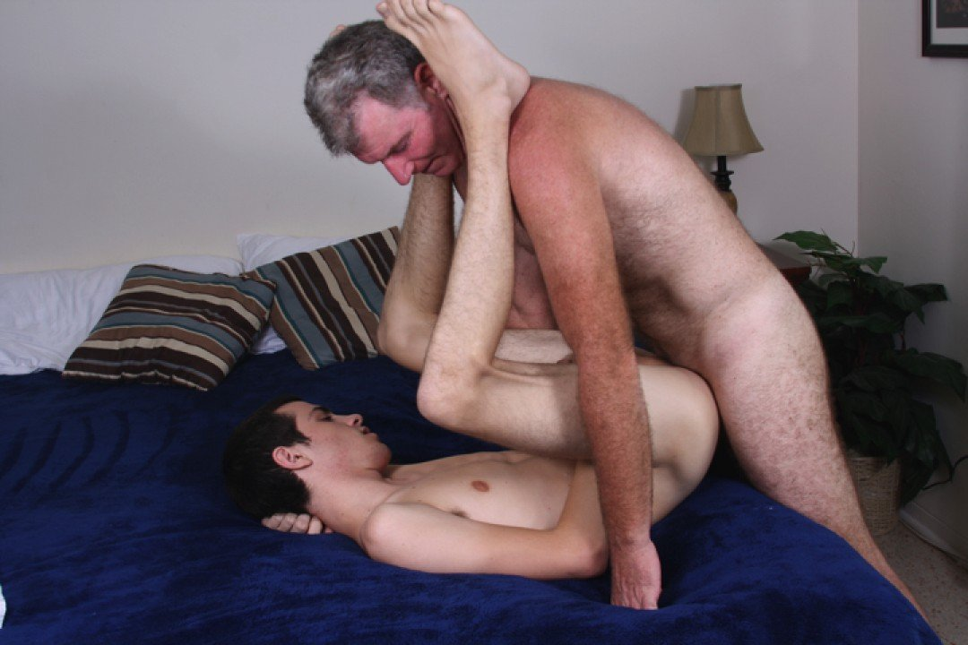 Young virgin boy fucked by Brett's Daddy dick