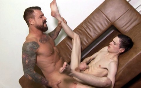 l9856-hotcast-gay-sex-porn-hardcore-videos-twinks-minets-jeunes-mecs-young-lads-boys-dads-fucking-lads-harder-daddy-013