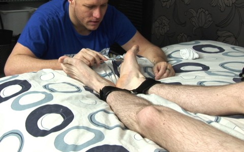 l9251-sketboy-gay-sex-porn-hardcore-videos-skets-sneakers-kiffeurs-trainers-feet-cho7-made-in-uk-scott-xxx-sniff-socks-015