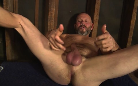 l16224-mistermale-gay-sex-porn-hardcore-fuck-videos-males-hunks-beefy-muscle-studs-hairy-daddies-scruff-10