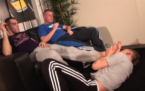 l9252-sketboy-gay-sex-porn-hardcore-videos-skets-sneakers-kiffeurs-trainers-feet-cho7-made-in-uk-scott-xxx-sniff-socks-011
