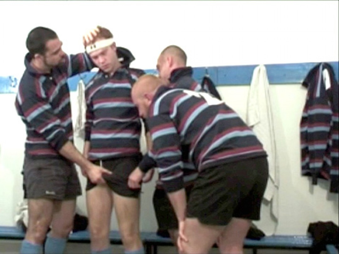 GROUP FUN IN CHANGING ROOM