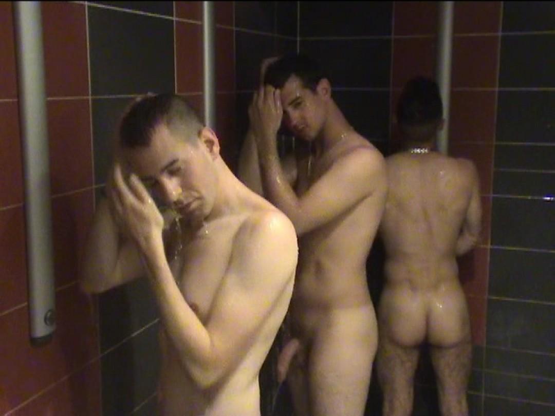 Hygiène corporelle et partouze gay