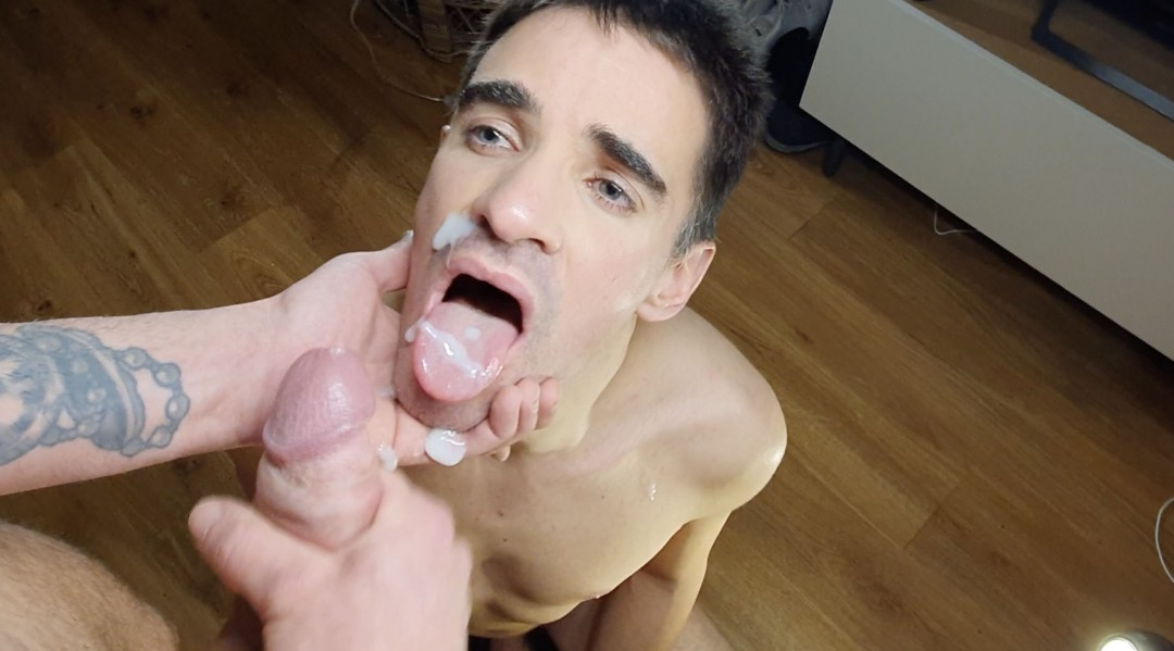 David Valentin fucks his mouth by Roméo Davis