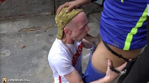 rebeu gay beur tahar baise un mec blanc dans la cite 6