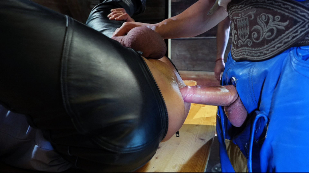 Pantalon en cuir bleu baiser