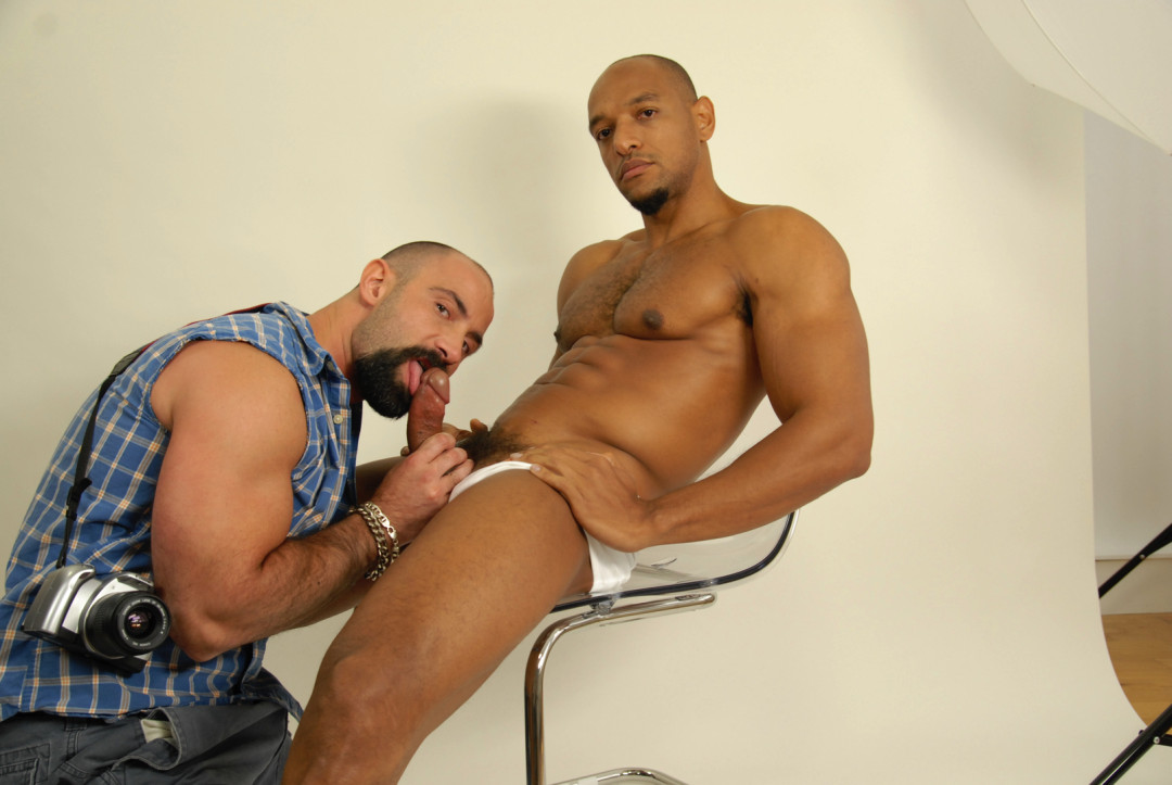 Men at Work 4 : Huge and Hung