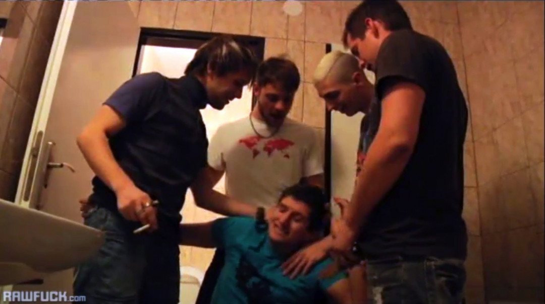 Gay Wet Blowjob Gang Bang in the rest room