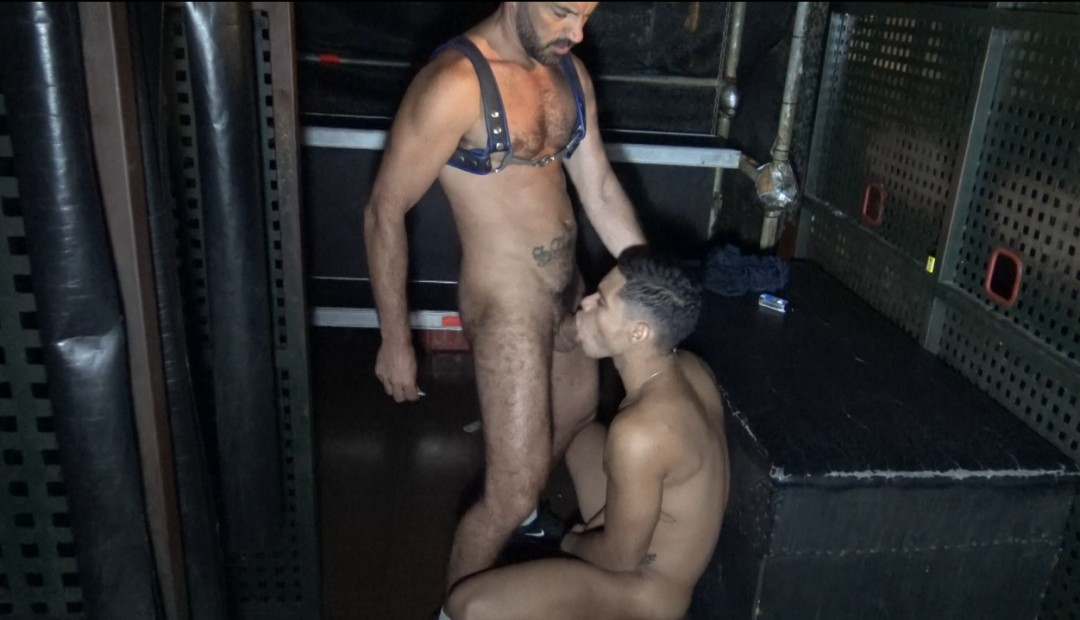 Latino twink breeded in gay sex bar in Barcleona
