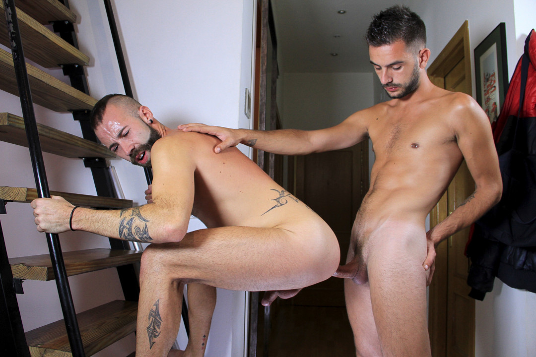 Heavy Gay Facial from Spanish hottie