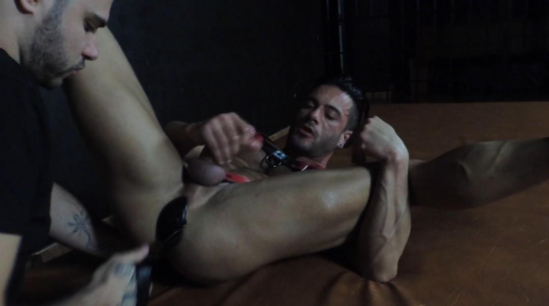 Andy STAR baisé par MAGIC JAVI dans un cruising de barcleona