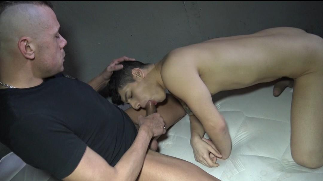 Bastian KARIM fucked bareback by stef KILLER