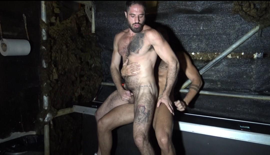 Bairon HELL scopato a mani nude da Patrick DEI