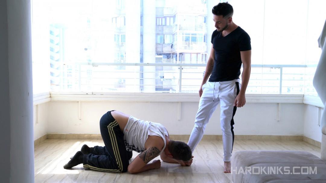 Master Iker Crown et sa pute gay Kevin Lauren