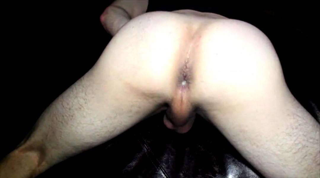 Good submissive white boy gets a good gay breeding