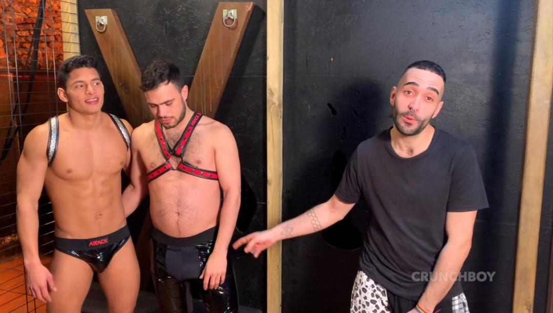 Le beau latino Santiago RODRIGUEZ dosé par Alton RED