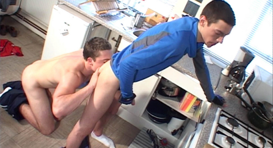 Danny delivers a package to a straight boy