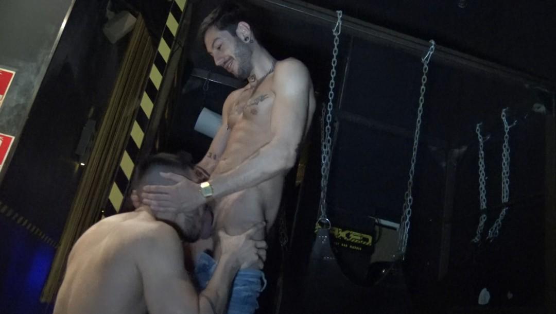 Valentino dosé par Alexis CLARK au Naked Bar de MAdrid