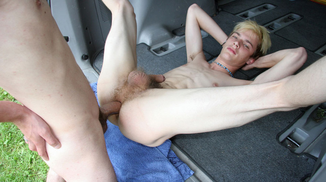 Naked gay boys fucking in the car
