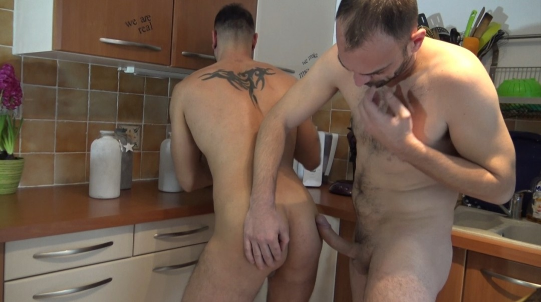 ghislain fucked bare by my frend in the kitchen
