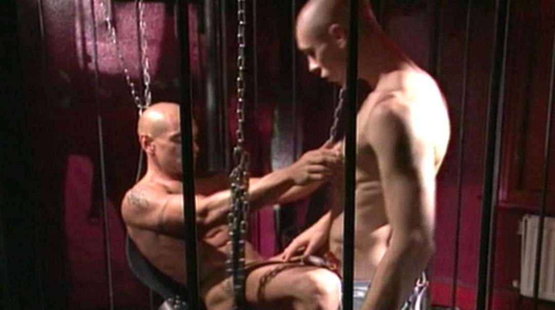 A night of rough gay sex for the skinhead