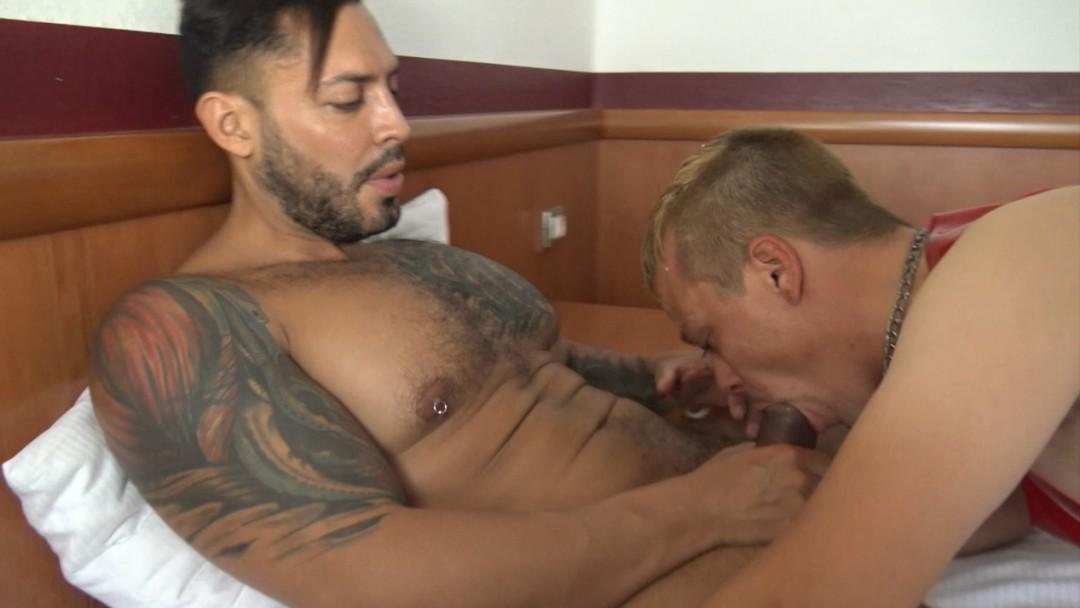 Cristian Martin fucked bareback by Viktor Rom